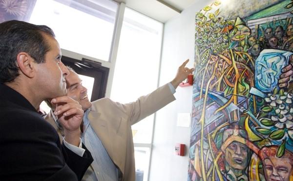 X explains city hall mural